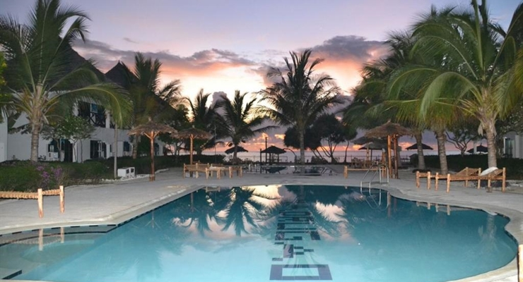 La Madrugada Beach Hotel & Resort
