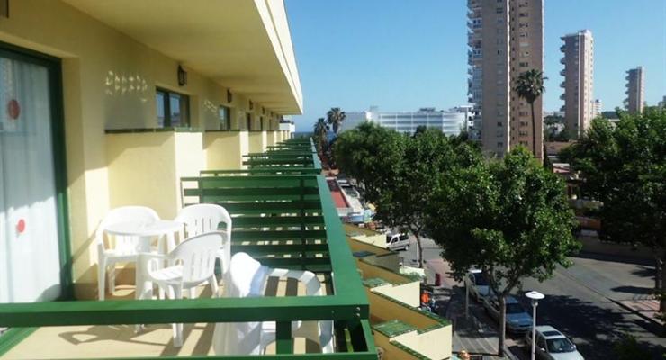 Magaluf isole baleari 8 giorni in aparthotel tra movida sfrenata e mare cristallino viaggi - Apartamentos magaluf ...