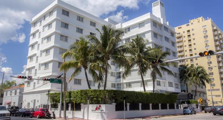 Promo Red South Beach Hotel, Miami Beach (USA) Info & harga kamar Fasilitas Aturan main Informasi penting Ulasan tamu () Pesan sekarang Red South Beach Hotel menerima jenis kartu ini dan berhak memblokir jumlah tertentu secara sementara sebelum kedatangan Anda/10(K).