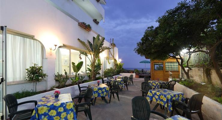 Giardini naxos taormina la perla della sicilia settimana in mezza pensione tra spiagge - Hotel giardini naxos 3 stelle ...