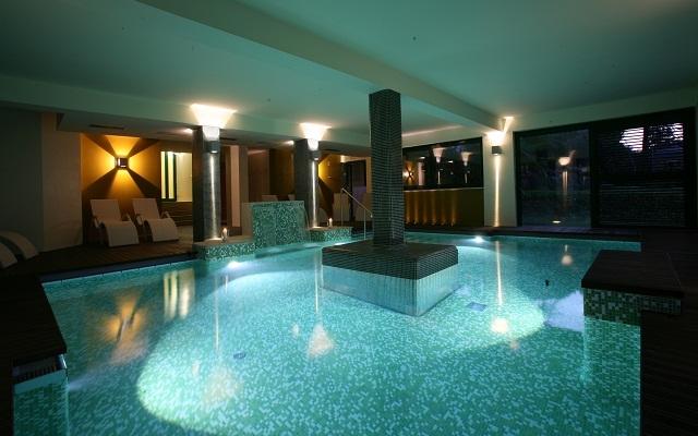 Lago di garda spa benessere a capodanno 3 giorni in mezza pensione con cenone bambini - Hotel lago garda piscina coperta ...
