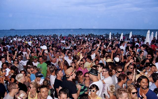 Ibiza speciale giovani offerta shock per agosto for Soggiorno ibiza